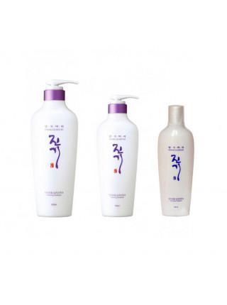 Восстанавливающий кондиционер с лактобактериями Daeng Gi Meo Ri Vitalizing Treatment 145 ml